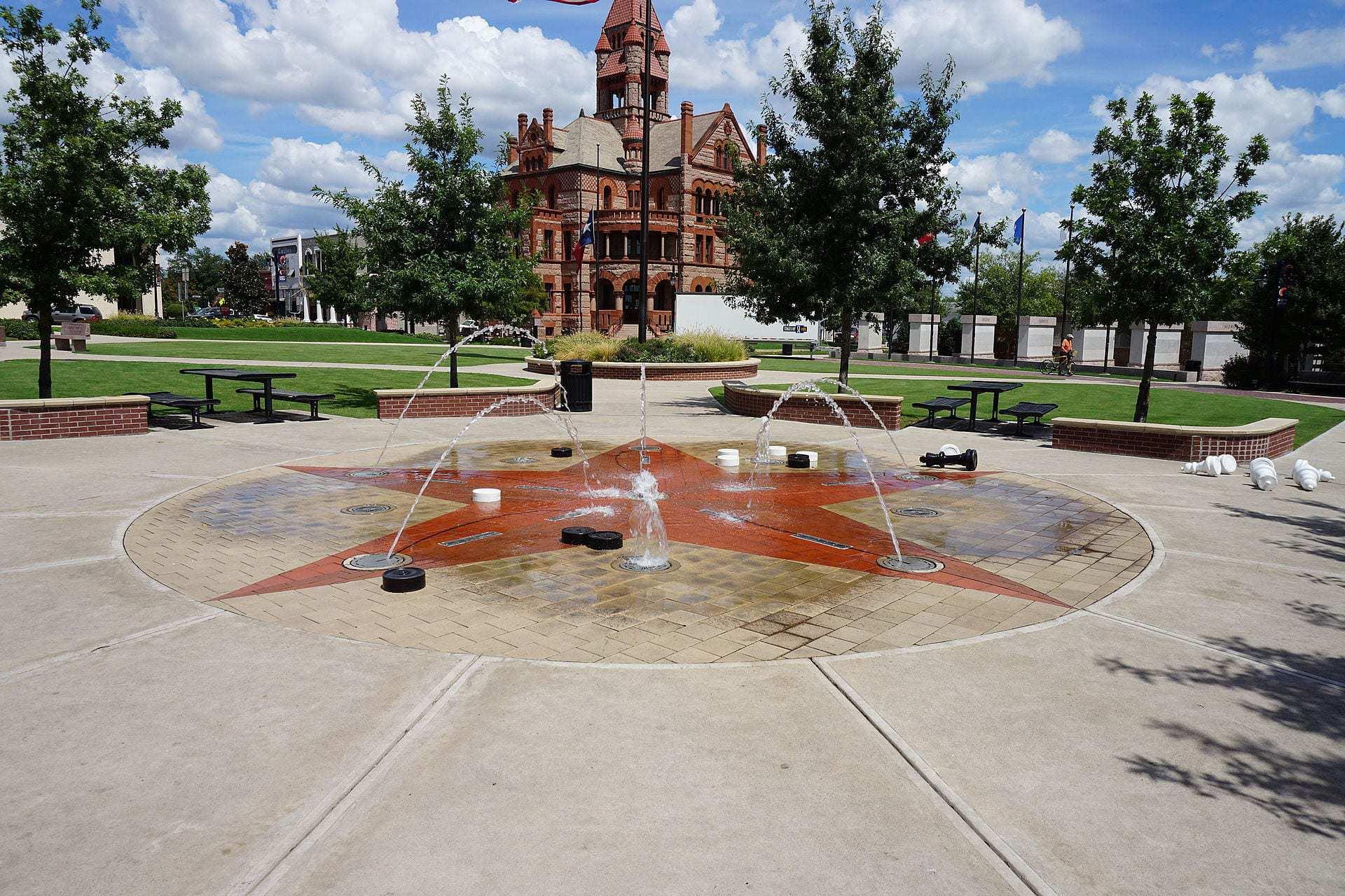 Sulphur Springs September 2015 1 Courthouse Square
